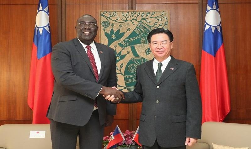 Monde: Bocchit Edmond « Haïti considère Taiwan comme un partenaire essentiel »