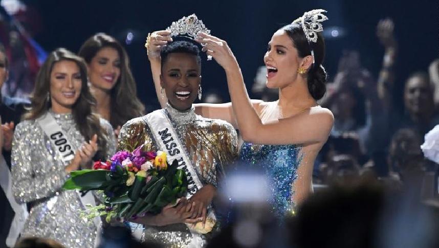 Monde: Zozibini Tunzi, Miss Afrique du Sud, couronnée Miss Univers 2019