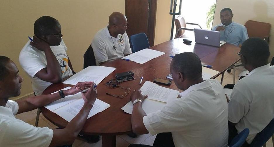 Haiti: Le DG du Collège Notre Dame remercie l'association des anciens (CNDPS-AA)