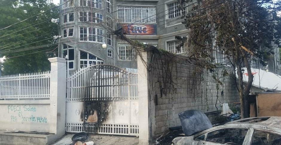 Haiti: La Radio Télévision Caraïbes condamne la tentative d'incendie criminel de ses locaux