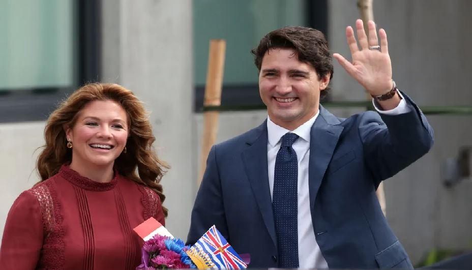 Monde: Justin Trudeau en isolement car sa femme ressent des symptômes semblables au coronavirus