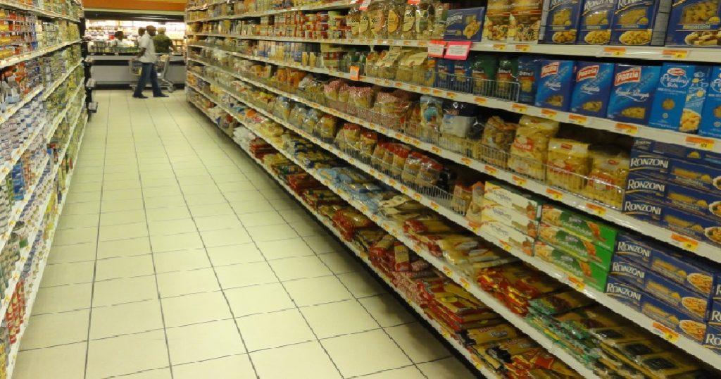 Haiti: Saisie de produits expirés dans des supermarchés lors d'une opération de vérification