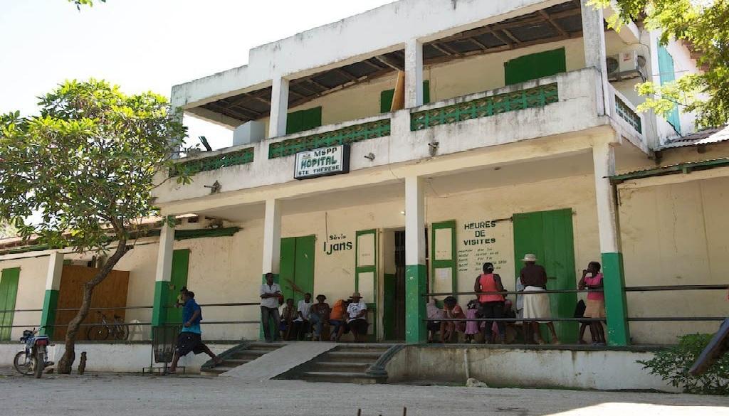 Haiti: Des patients testés positifs au Coronavirus à l'hôpital Sainte-Thérèse prennent la fuite