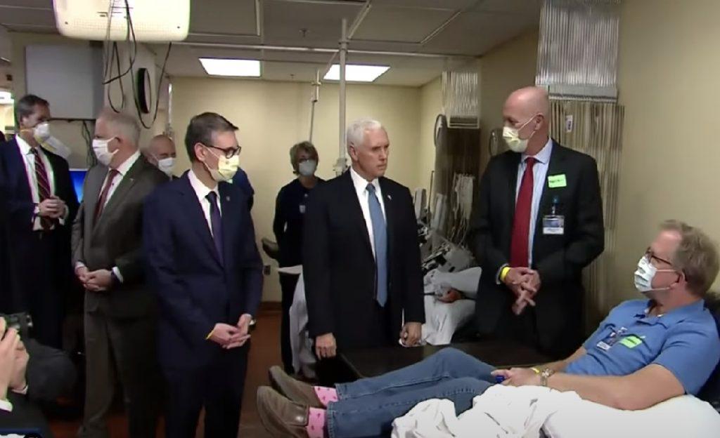 Monde: Le vice-président américain refuse de porter un masque sanitaire lors d'une visite dans un hôpital