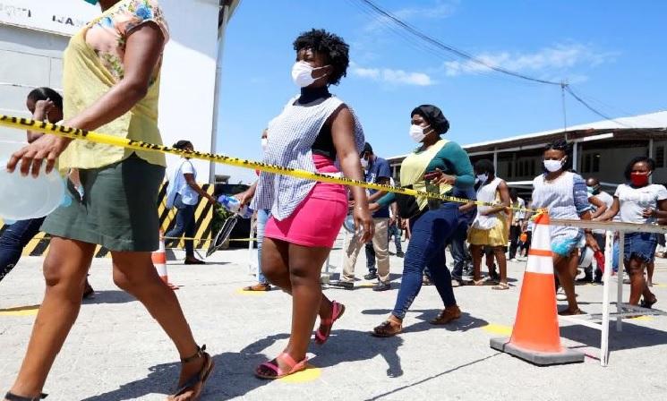 Haiti:  La rumeur court qu'une piqûre tue les patients atteints de COVID-19 dans les centres