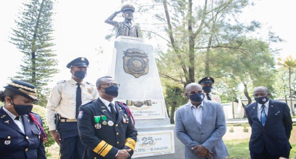 Haiti: Inauguration d'une stèle en marbe pour le 25e anniversaire de la Police Nationale d'Haïti