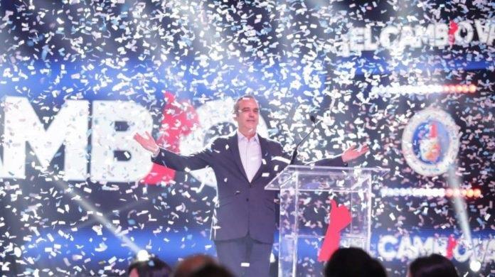 Monde: Le candidat de l'opposition, Luis Abinader, revendique la victoire à la présidentielle dominicaine