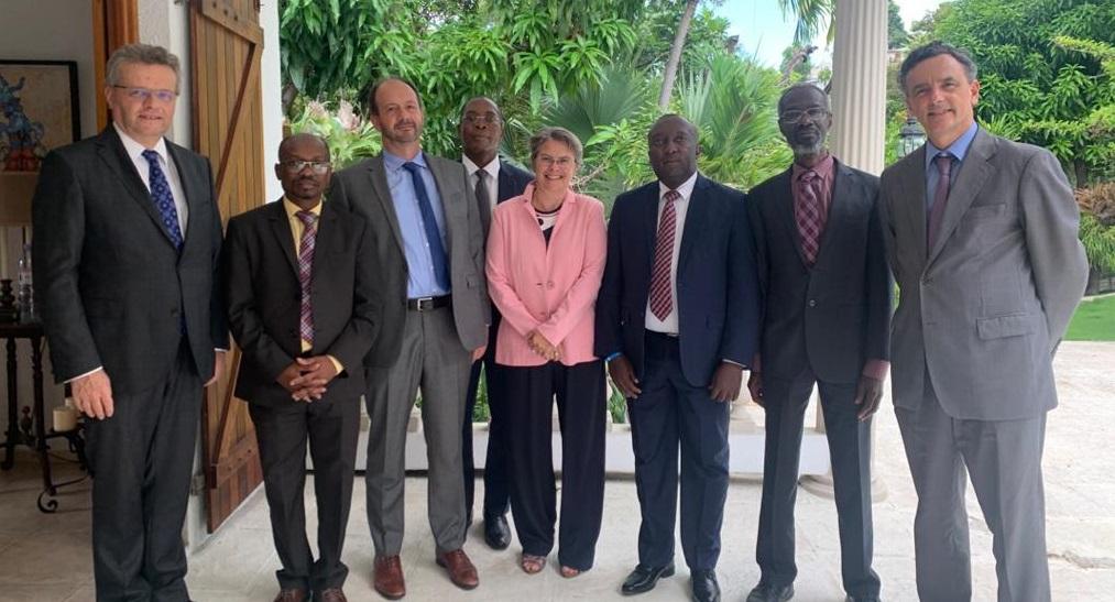 Haïti: Des ambassadeurs de l'Union Européenne rencontrent des juges de la Cour des Comptes