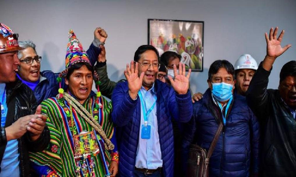 Monde: Le socialiste Luis Arce, dauphin d'Evo Morales, élu au premier tour en Bolivie