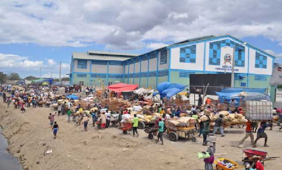Monde:  Réouverture du marché binational de Dajabón sous haute surveillance sanitaire