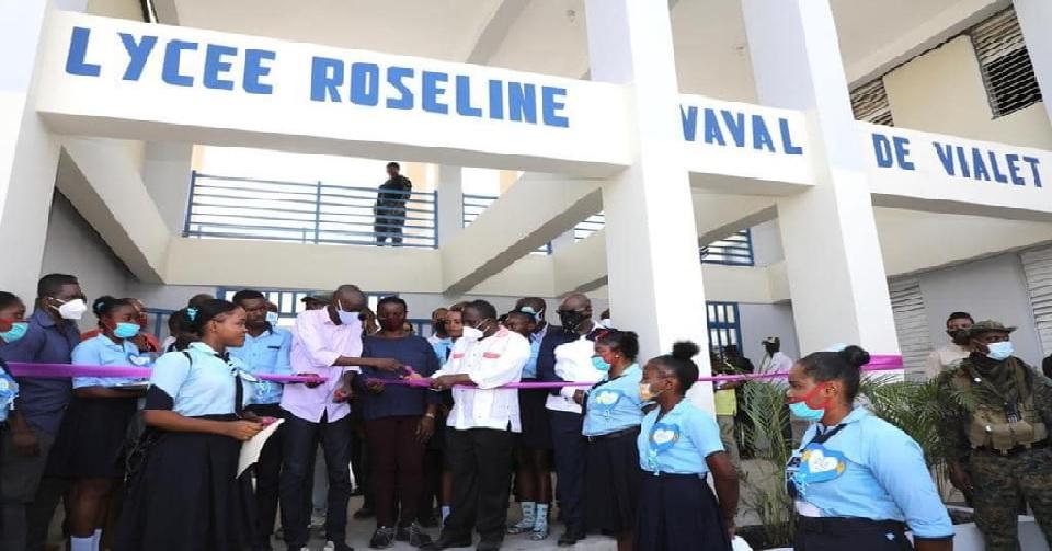 Haïti: Le président Jovenel Moïse inaugure le lycée Roseline Vaval de Vialet