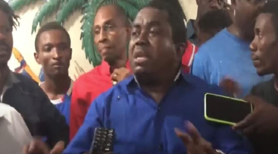 Haïti: L'opposition demande à la population de prendre possession des biens de l'Etat