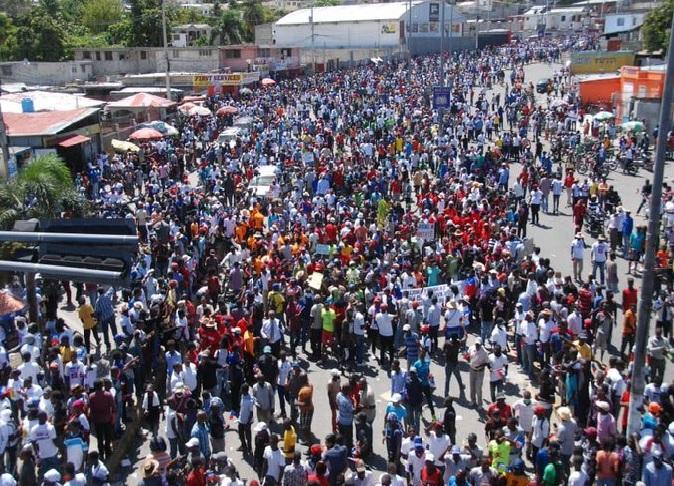 Haïti: Plusieurs milliers de manifestants dans les rues à l'appel des églises protestantes