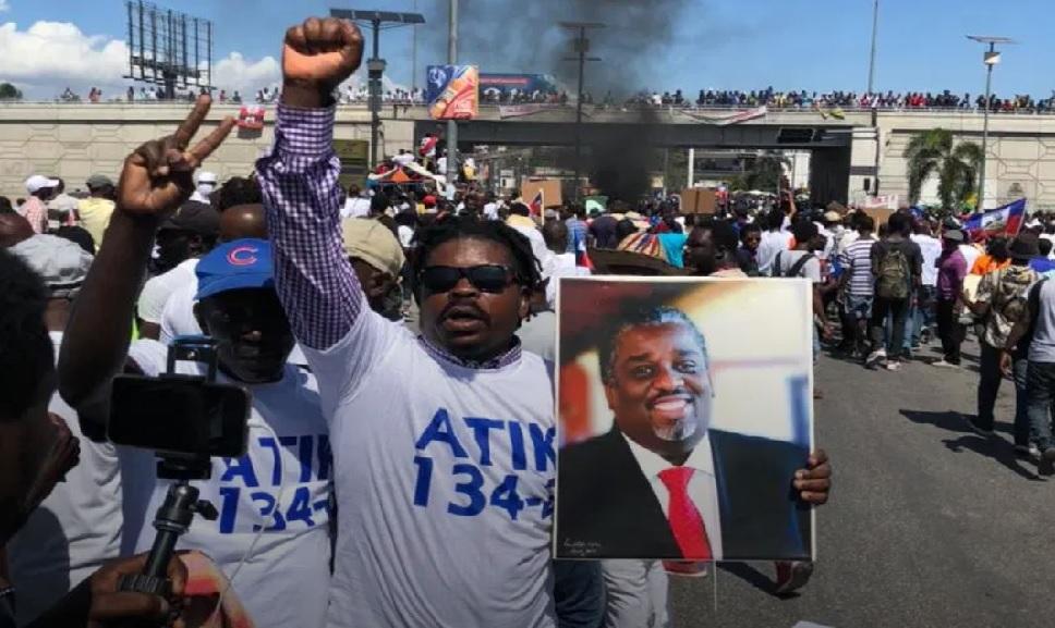 Haïti: Le Rnddh sollicite le statut de réfugié politique pour l'ex-maire de Port-au-Prince, Youri Chévry