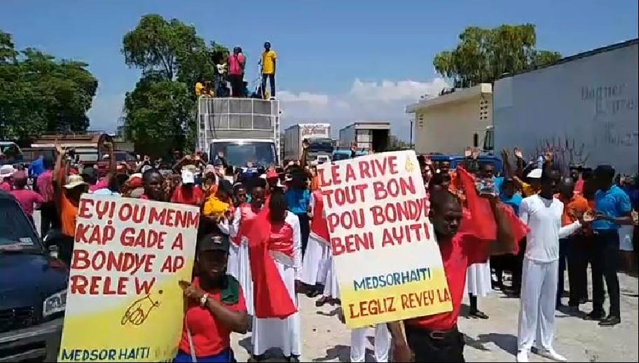 Haïti: Plusieurs dizaines de chrétiens en évangélisation à Village de Dieu
