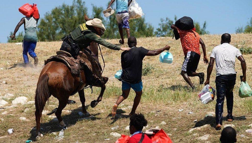 Monde: Les autorités américaines annoncent une enquête suite aux brutalités infligées aux migrants Haïtiens