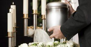 Monde: (Oui) à la crémation des défunts (Non) à la conservation des cendres à la maison