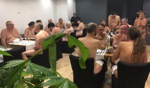 Monde: Le premier restaurant nudiste à Paris a ouvert ses portes