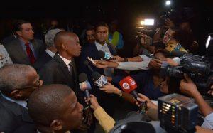 Monde: Le Président Jovenel Moïse bloqué à l'aéroport de Londres