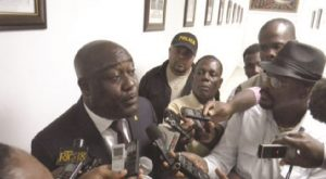 Haiti: Evallière Beauplan consterné par l'assassinat de son cousin, l'inspecteur de police Gilbert Paul