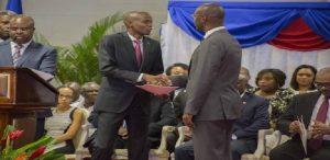 Haiti: Les fonctionnaires de l'État devront aller chercher leur chèque de paye en personne