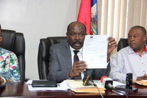 Haiti: Opération de distribution de lettres de nomination dans plusieurs Ecoles nationales et Lycées de la République